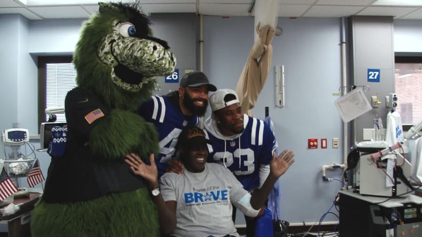 ba76a296a WATCH  Colts Players Visit America s Heroes For Veterans Day