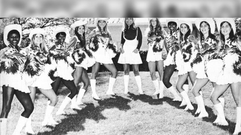 3813ced5d0d Dallas Cowboys Cheerleaders Squad Photos 1970-79