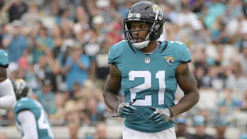 los angeles bc15f 792ba Notes and observations: Bortles' confidence, the Eagles' RPO ...