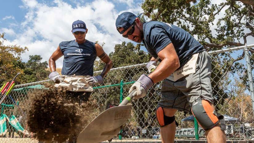 Los Angeles Rams Team Up with Habitat for Humanity