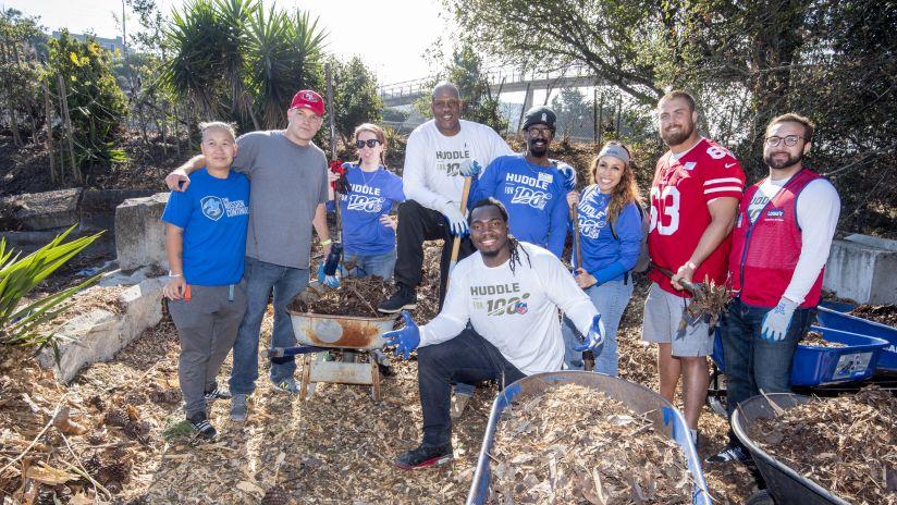 Huddle for Heroes Celebrates Veterans