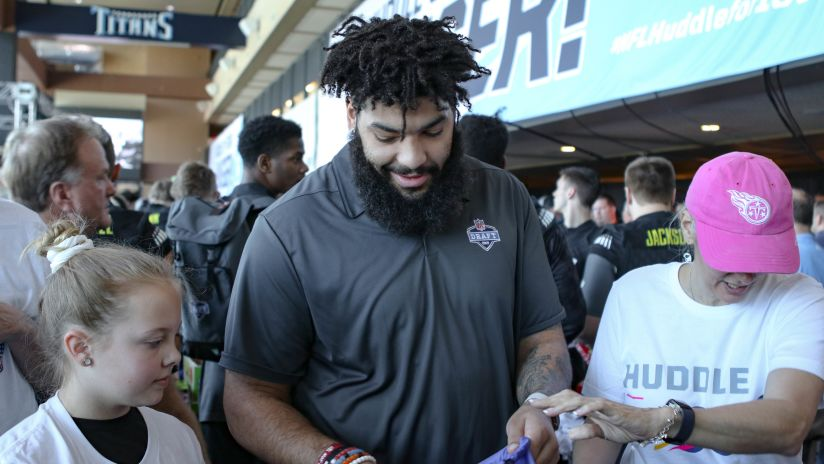Prospects Join NFL Family to Fight Hunger in Nashville