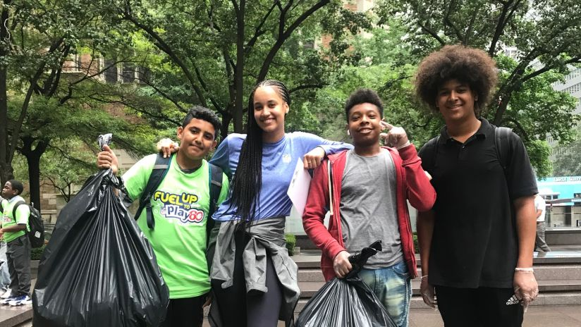 NFL and Fuel Up to Play 60 Students Join Forces for a Scavenger Hunt in New York City