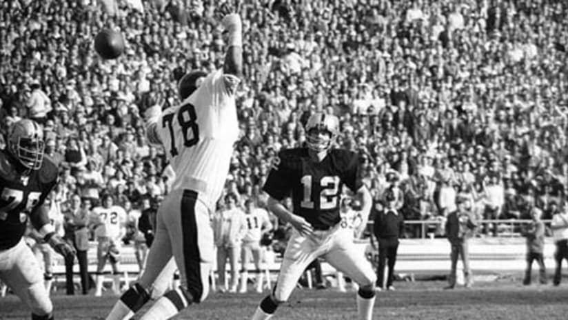 c71dcae50 Raiders QB Kenny Stabler (12) completed 82 percent of his passes during the  Silver and Black's win over the Pittsburgh Steelers in the 1973 AFC  Divisional ...