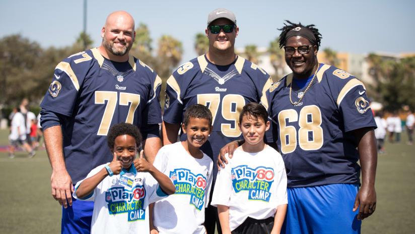 Los Angeles Rams players and staff at the NFL Play 60 Character Camp e6aed0ebd