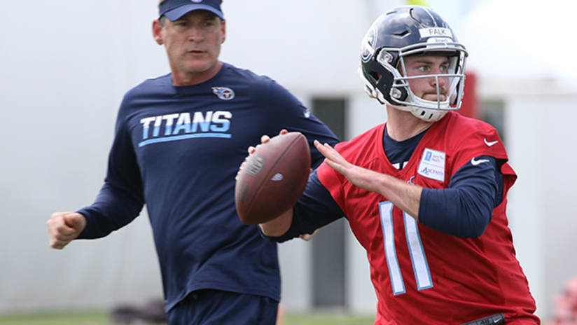 5d90b5feb Luke Falk Aims to Prove Himself All Over Again with Titans