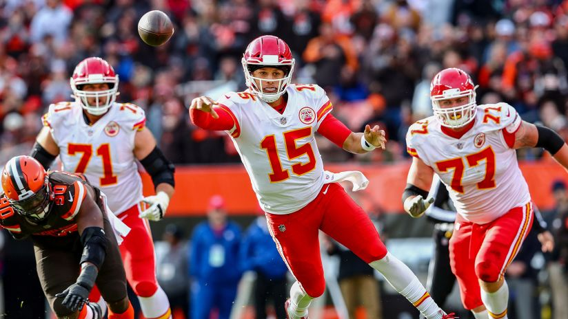 6edc952c9 GAMEDAY PHOTOS. Photo Gallery: Best of Chiefs Action