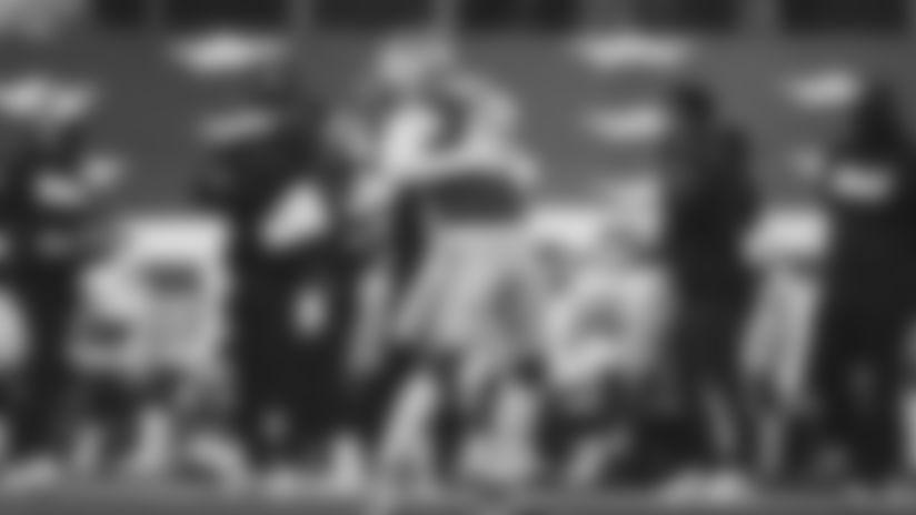 1220-Cowboys-Armstead Sack-16x9