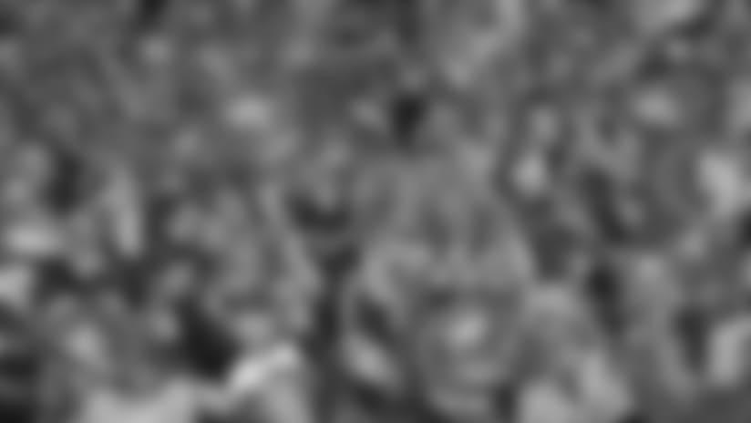 103110-Fans-Sub.jpg