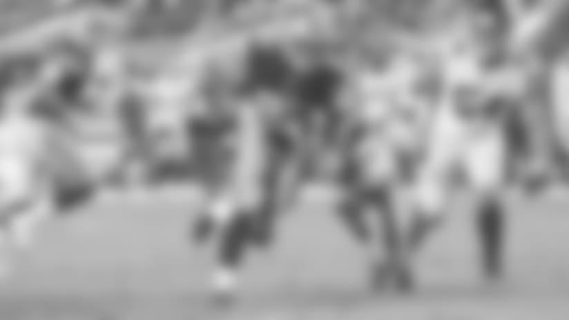 Matt Breida Weaves Through the Giants Defense for a 3-yard Touchdown Run