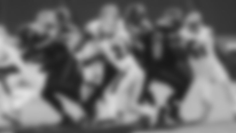 1101-Seahawks-K'waun Sack-16x9