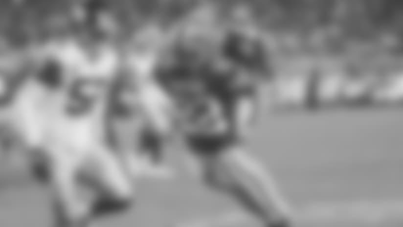 Matt Breida Makes a Highlight-reel 11-yard Touchdown Reception