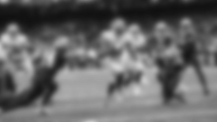 Raheem Mostert Slips Past Saints Defense for a Touchdown