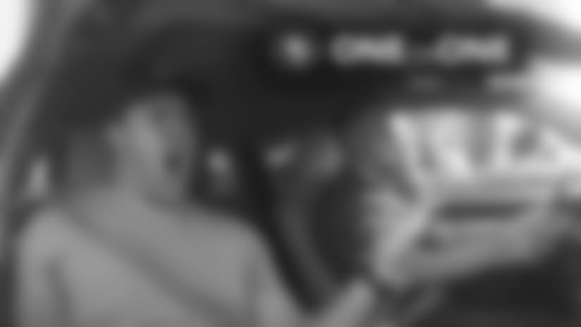 1-on-1: Joe Staley's Epic Carpool Karaoke Performance
