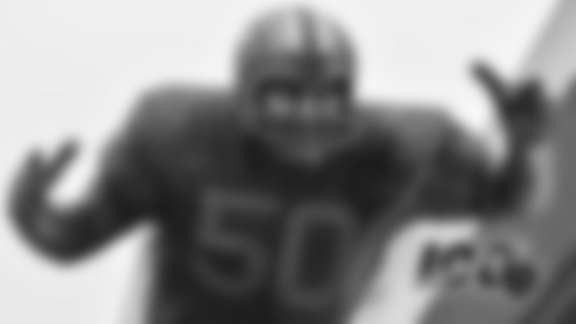Butkus statue unveiled at University of Illinois