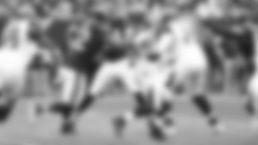 Mack flies to Fitzpatrick for strip-sack