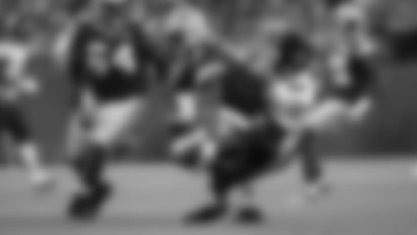 Roquan Smith sacks Kizer on first NFL play