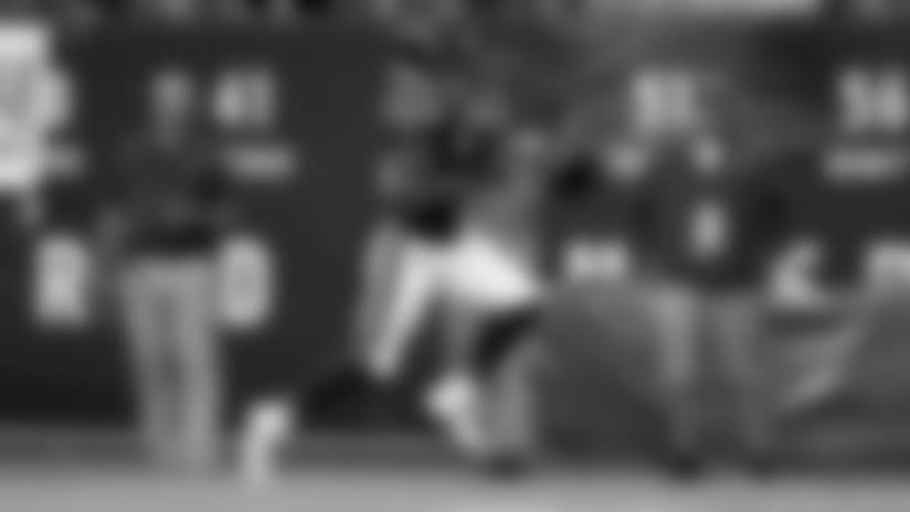 Doran Grant returns interception for a touchdown