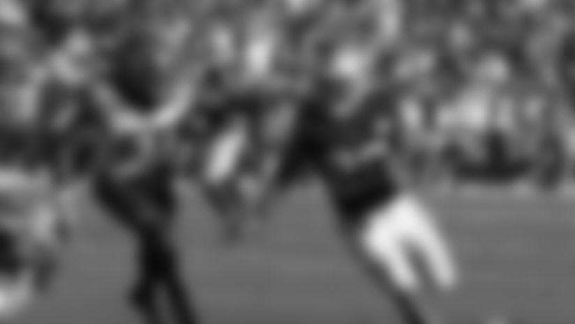 Battle of rookies: Pratt vs. Jacobs.