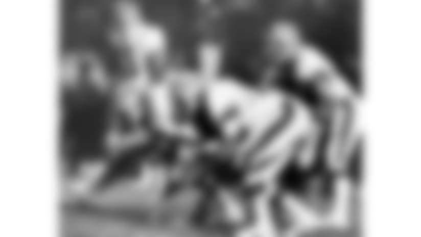 781211-Bengals_Browner-AP_456054278654-NFL Photos-NEW