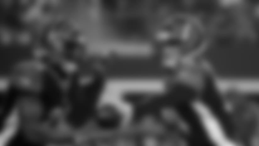 Cincinnati Bengals quarterback Andy Dalton, right, hands off to running back Joe Mixon (28) during the first half of a preseason NFL Football game in Arlington, Texas, Saturday, Aug. 18, 2018. (AP Photo/Ron Jenkins)