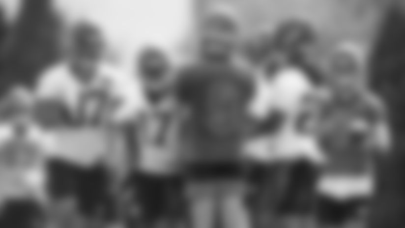 200813-Burrow-Joe_huddle_training_camp