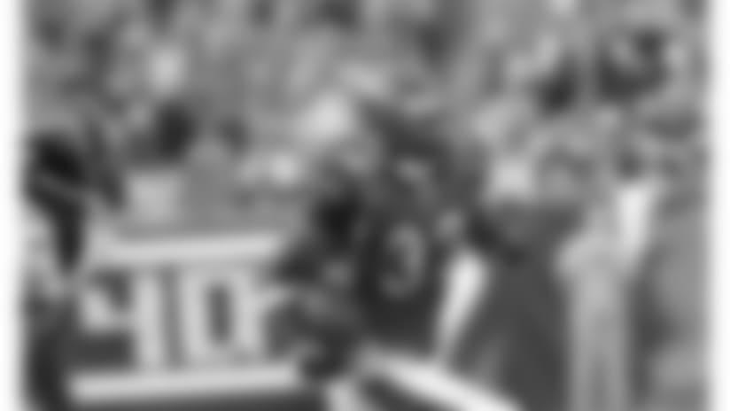 081102-Bengals_Jaguars-AP_081102046125-Tony Tribble-NEW