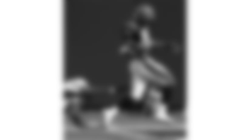 001022-Bengals_Broncos-AP_00102201779-Tony Tribble-NEW