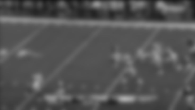 Uzomah rumbles for 28-yard catch and run off TE screen