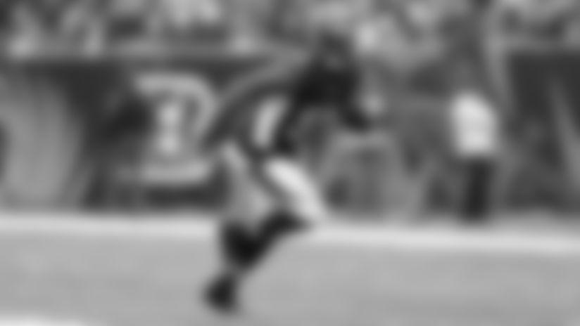 Cincinnati Bengals linebacker Vontaze Burfict (55) in action on defense during the NFL week 16 football game against the Minnesota Vikings on Sunday, Dec. 22, 2013, at Paul Brown Stadium in Cincinnati, Ohio. The Bengals won the game 42-14. (AP Photo/Joe Robbins)