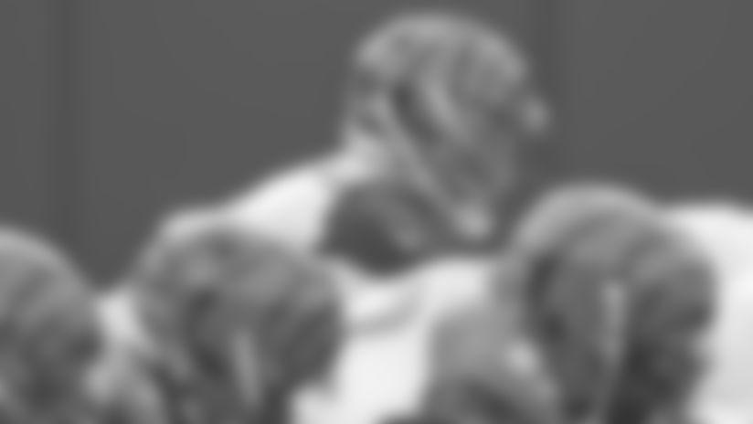 Joe Burrow hit 22 of 34 passes for 203 yards before getting hurt.