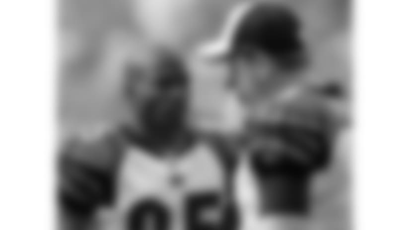 091220-Bengals_Chargers-AP_091220084288-Chris Park-NEW