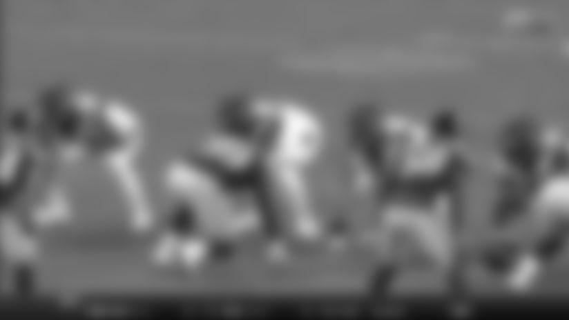 Joe Mixon hits the edge for 13-yard pickup