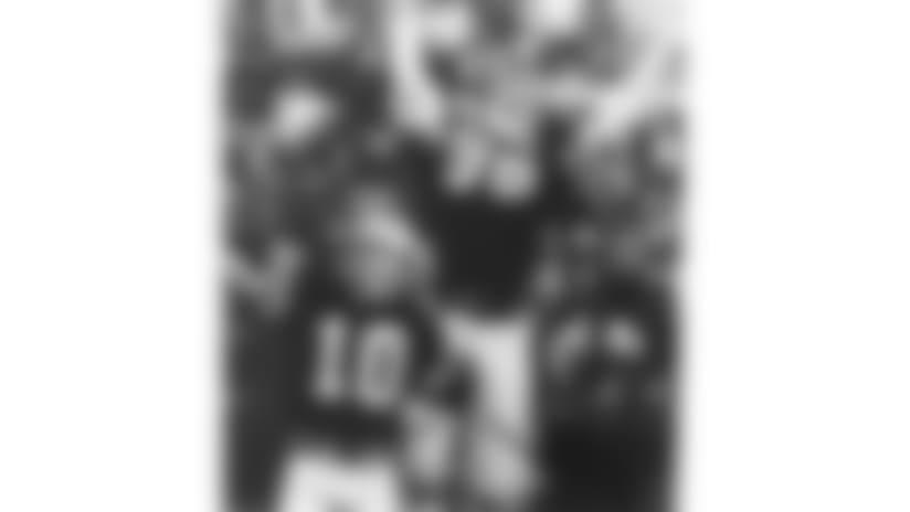 801207-Bengals-AP_8012070200-Jeff Hinckley-NEW
