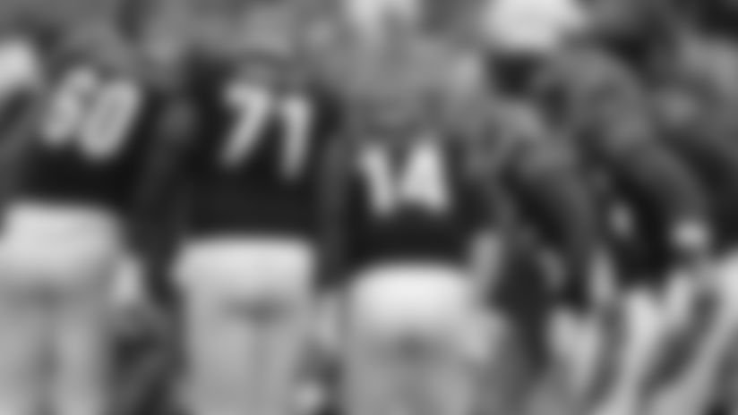 190822-offensive-huddle (AP)