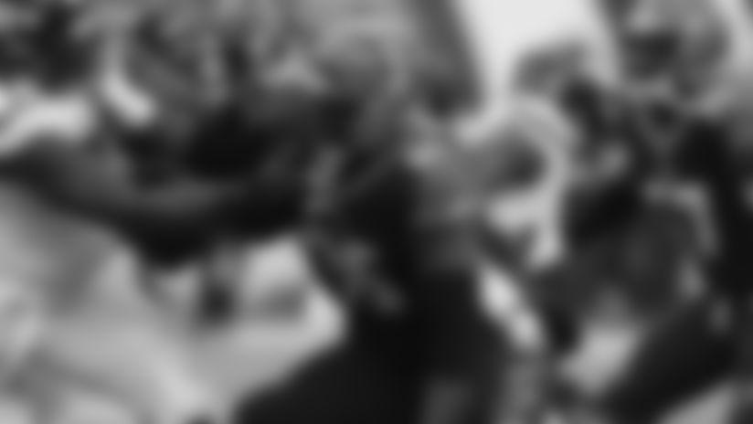 191201-Wren-Renell_pass_rush