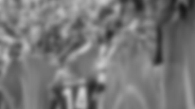 171213-Dalton-Andy_celebration_fans (AP)