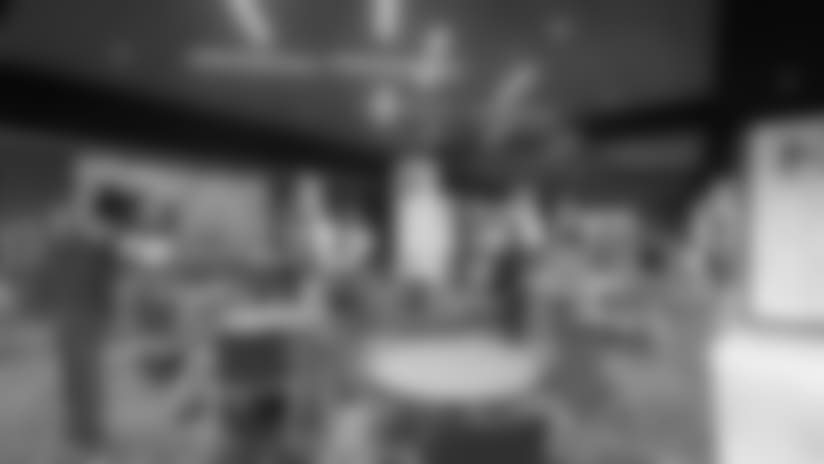 tempsideline-clubs-1--nfl_mezz_1280_1024-A