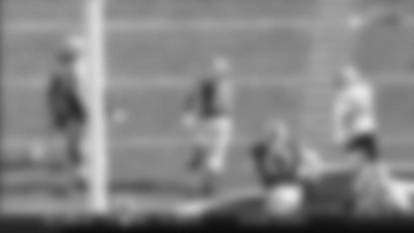 Frank the Tank! Gore reaches 15K career rushing yards on 41-yard run