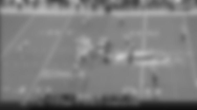 Highlight: Corey Liuget records first sack as a Bill