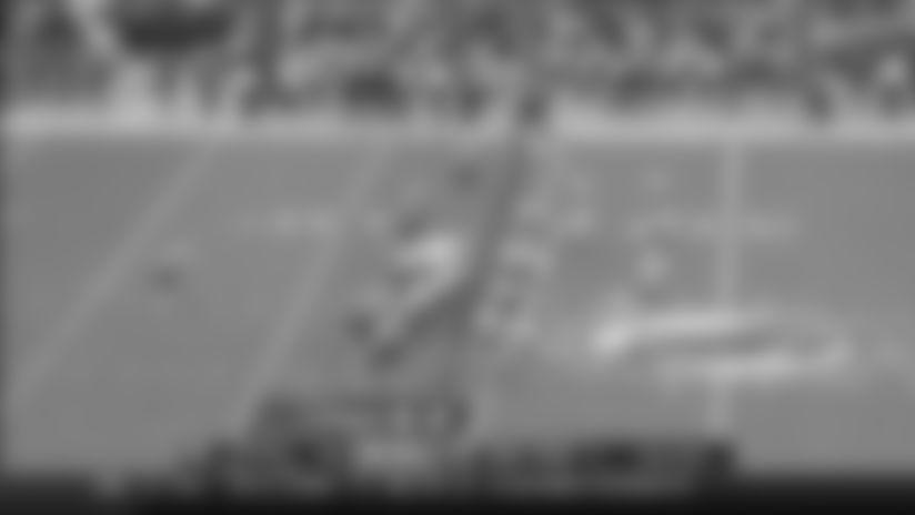 Devin Singletary dashes down field for 25-yard gain