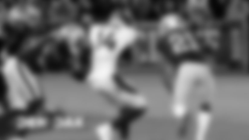 #DENvsOAK: Flacco finds Sutton for 18-yard gain