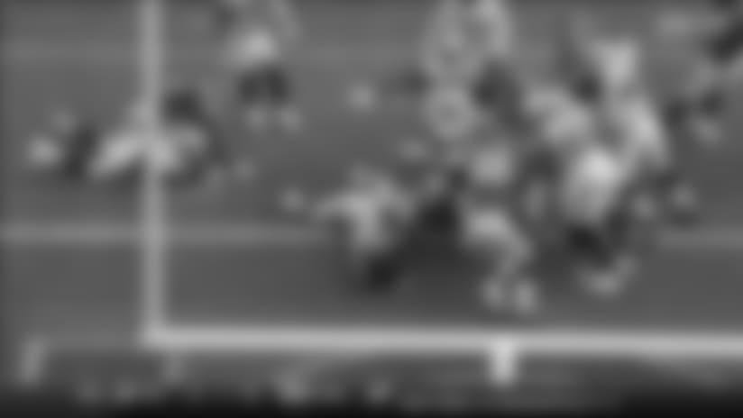 Royce Freeman barrels into the end zone for 1-yard TD