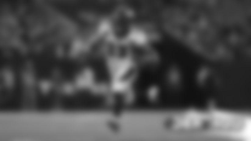 #DENvsHOU: Devontae Booker breaks free for 25-yard run