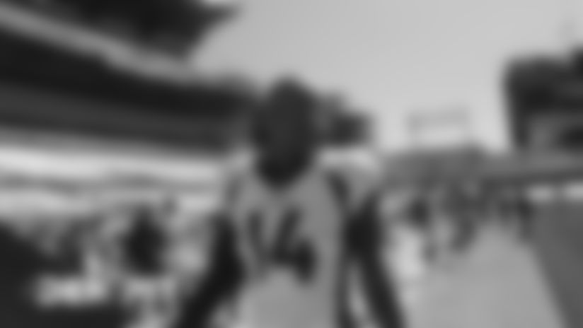 #DENvsPIT: Courtland Sutton tip-toes the sideline