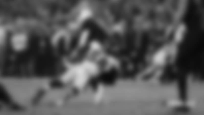 #DENvsAZ: Von Miller forces fumble, DeMarcus Walker recovers along the sideline