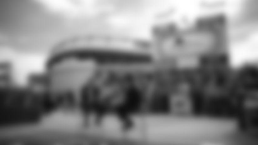 BRONCOS PLUS: photo event
