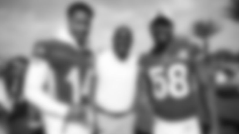 So fresh, so clean: Broncos' 2020 Pro Bowlers don game uniforms for AFC team photo