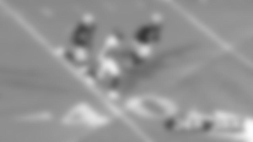 #DENvsOAK: Courtland Sutton flies up the middle for 30-yard gain
