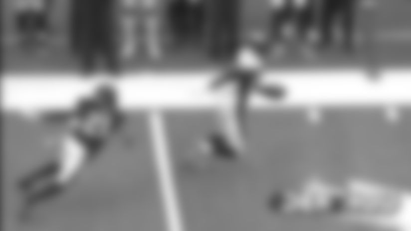 #DENvsHOU: Noah Fant avoids tackle on 23-yard pickup